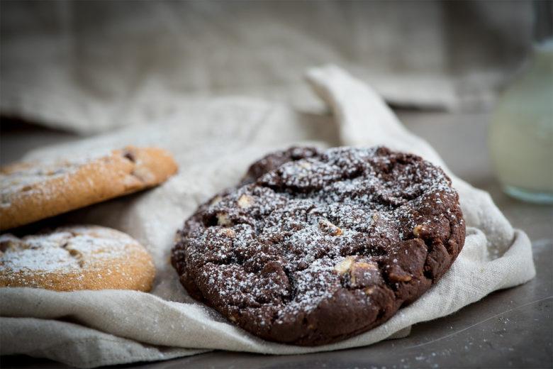 fresh-chocolate-chip-cookies