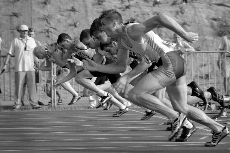 men starting to run